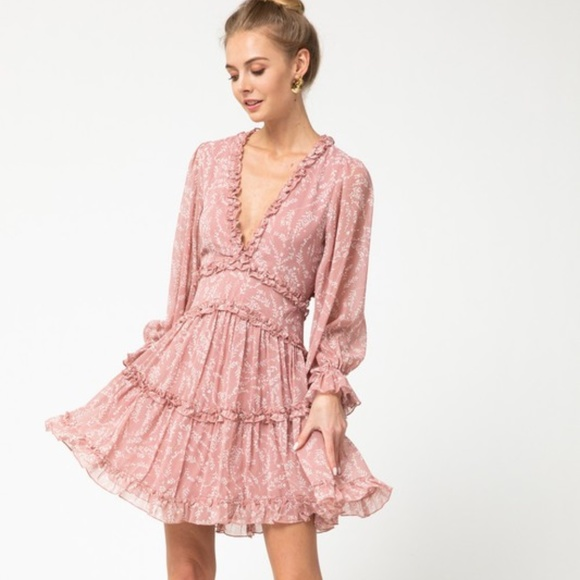 Dresses & Skirts - FLORAL TIERED DRESS